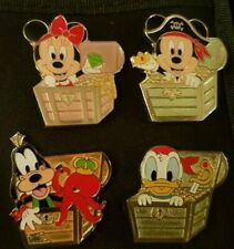 Lot de 4 Pin's Disney PRICE COFFRE MICKEY MINNIE DINGO DONALD