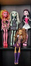 Monster High Dolls, TALL, Draculaura, Clawdeen, Frankie et Gooliop.