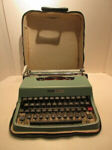 Olivetti Lettera 32 Typewriter Manual with Case 1963 Portable Mechanical Blue