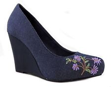 Unlisted by Kenneth Cole Women's Share It Wedge Pumps Blue Size 7.5
