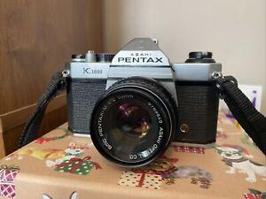 PENTAX K1000 35mm SLR Film Camera with 50 mm lens Kit + Extras
