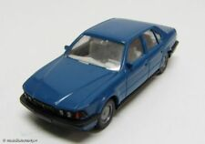 Wiking bmw 750i en azul 1:87