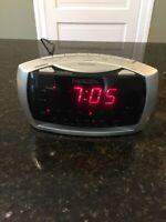 Emerson Research Smartset Digital AM/FM Radio Alarm Clock CKS3030