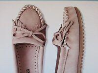 NEW Women's MINNETONKA Kilty Blush Pink Suede Flat Moccasin Shoes in Size 10
