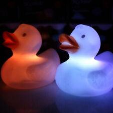 Baby Kind Farbwechsel Ente blinkende LED Badewannen Lampe-Spielzeug