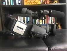 New ListingCanon Xl2 Mini Dv Camcorder , great quality. Barely used. Microphone included.