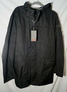 TUMI Men's Stow Away Commuter Raincoat Black camo Large