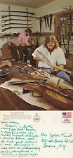 US GUNSMITH SHOP WILLIAMSBURG VIRGINIA COLOUR POSTCARD POSTED IN 1976