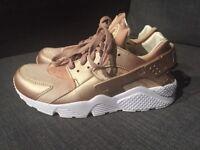 9c7ea5e86b1 Nike Air Huarache Run PRM Men s Running Shoe Gold White 704830-900 Size 9