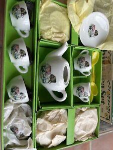 Vintage Chilton Toys Little Girls & Flower Image Children's China Tea Set In Box