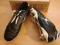GILBERT TORPEDO ST8 RUGBY BOOTS - SIZE UK 12 EUR 47