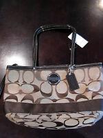 Coach Signature Authentic Women's handbag purse tote gift style F17433  $268 new