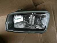 BRAND NEW GENUINE FORD C-MAX N/S PASSENGER SIDE FRONT FOGLIGHT 07 TO 10 1471730