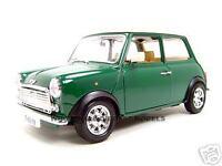 1969 MINI COOPER GREEN 1:18 DIECAST MODEL CAR BY BBURAGO 12036