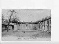77*LUZANCY-Le Château-Cour d'Honneur