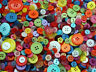 MIXED BUTTONS, ASSORTED BUTTONS 75G BAG  LOTS OF COLOURS TO CHOOSE FREE P&P