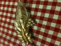 Grandmas Estate Jewelry Vintage Goldtone Leaf Brooch