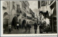 MERANO Meran Südtirol Echtfoto AK Strasse Portici 1950