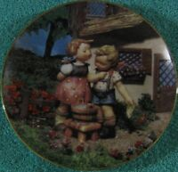 M.J. Hummel Squeaky Clean /Little Companions Collector Plate Danbury Mint