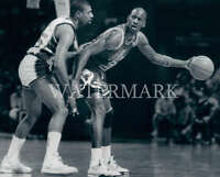 Michael Jordan MJ Guarded By Paul Presley 8X10 Photo Chicago Bulls Basketball