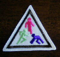 BROWNIE Girl Scout PLAYING AROUND THE WORLD Badge TRY IT Brown SCOUTING Uniform