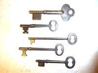 skeleton keys 5 keys door key lock keys antique keys vintage keys