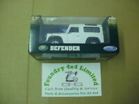 Land Rover Defender 90 Model Car White  BAG906