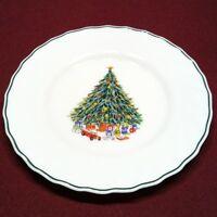 Salem China Porcelle Noel Dinner Plate Christmas Tree Glass Milkglass