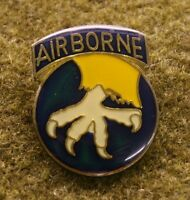 3939) US Army 17th Airborne Division Pin Insignia Vietnam Badge Medal