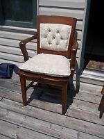 Quartersawn Oak Armchair/Desk Chair with Cushion  (AC115)