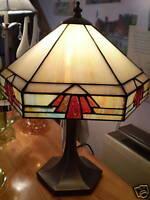 DANISH TIFFANY STYLE  LAMP 40 CMS TALL-30CMS WIDTH.60 WATT.