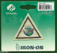 VINTAGE GIRL SCOUT BADGE - BROWNIE TRY-ITS IT - AROUND THE WORLD - IN PACKAGE