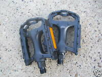New Black Resin Cycle Mountain Bike or BMX Pedals 9/16
