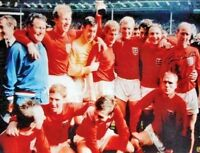"""SIR BOBBY CHARLTON SIGNED ENGLAND 1966 WORLD CUP FINAL 16""""x12"""" PHOTOGRAPH PROOF"""