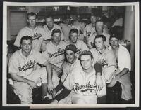 1941 Orig DODGER Press Photo - Chicago Help To Dodgers' Hopes