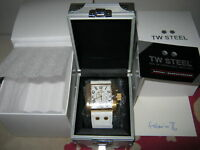 BRAND NEW GOLD AND WHITE  TW STEEL GOLIATH 108 WRIST WATCH (Express Delivery)