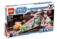 LEGO Star Wars Republic Attack Gunship 7676- Factory Sealed BNIB