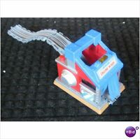 Take Along n play  LIGHTS SOUNDS ENGINE WASH EUC as pictured no thomas