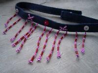 Fesche Kette Jeans Perlen hängend pink rose  glänzend enganliegend Klett