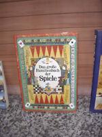 Das große Familienbuch der Spiele.
