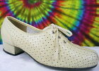 7.5-8 vintage 70s cream leather lace-up oxfords shoes