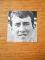 circa 1960's Autographed Magazine Clipping: Everton - Kendall, Howard (Black & W