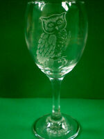 Personalised Gift Freehand Engraved Wine Glass Wildlife Bird Owl Name Added FREE