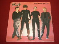 """VINYL 7"""" SINGLE - SKIDS - INTO THE VALLEY - VS241 - PICTURE SLEEVE"""