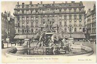 CPA 69 Rhône Lyon La Fontaine Bartholdi Place des Terreaux animé