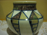 RARE BEAUTIFUL HAND PAINTED ART POTTERY VASE, SIGNED BY BLAISDELL(?) '88