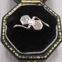 Art Deco 2 Stone Diamond Ring set in 18ct & Plat