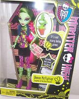 MONSTER HIGH VENUS MCFLYTRAP DAUGHTER OF THE PLANT MONSTER IN HAND NEW