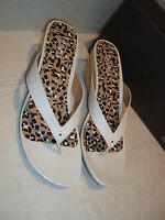 New Kenneth Cole Reaction Womens Far Chase White Wedge Sandals Shoes 10 Medium