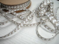 Natural Linen  Sewing Tape / Ribbon - Embroidery White  Heart   1 Yard